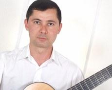 Gilson Antunes, violão