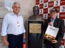 Da esquerda para direita: representante do Comdefesa-GO, Cícero Ceccatto; e o Prof. Dr. Petrônio Athayde.