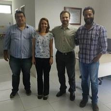 Da esquerda para direita: Alexandre (EMBRAMIL), Profa. Melânia, Dr. Cleverton e Prof. Raphael Beirigo.