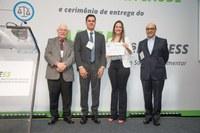 Marília Augusta Raulino Jácome, recebeu nesta última quarta-feira (12/12/2018), o Prêmio Nacional do Instituto de Estudos de Saúde Suplementar (IESS)