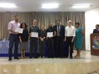 Professor Dr. Fellipe Brasileiro recebe o prêmio Lenilde Duarte de Sá