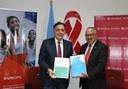 Fabrizio Feliciani, Diretor Regional para a América Latina e o Caribe do UNOPS e Dr. César Antonio Núñez, Diretor Regional do UNAIDS para a América Latina e o Caribe. Foto UNOPS.jpeg